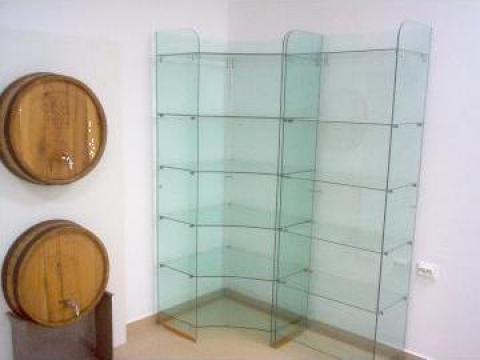 Rafturi de sticla pentru magazine de la Cosmirom Srl