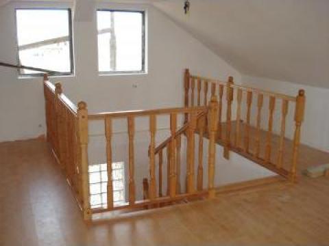 Balustrada din lemn masiv pentru scari de la Bigal Plast