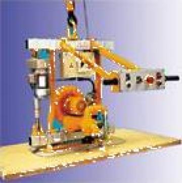 Dispozitiv ridicat si manipulat stratificate lemn de la Fezer Echipamente