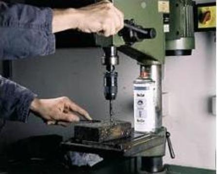 Spray lubrifiant BIO-CUT de la Emco Star Srl