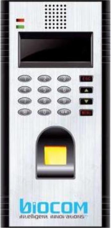 Controlul de acces biometric B8