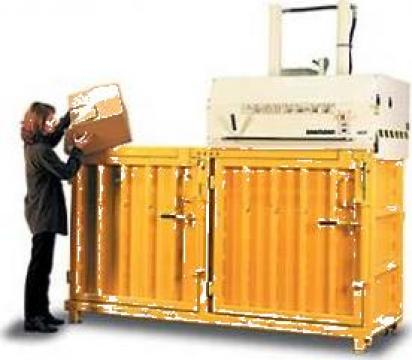 Prese de balotat carton, folie, PET cu 2 compartimente de la Sc Schuster Recycling Technology Srl