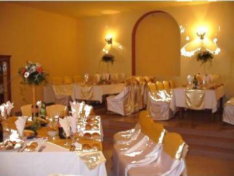 Vaze decor cu aranjament floral de la Happy Party