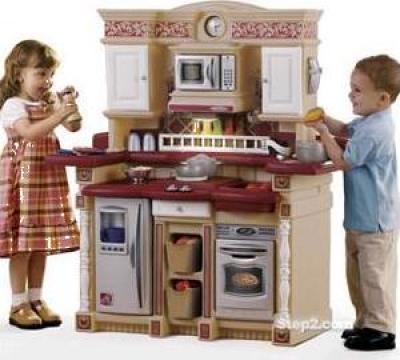 Jucarie fetite Bucatarie Party Time Kitchen (varsta 3+) de la Stiki Concept Srl