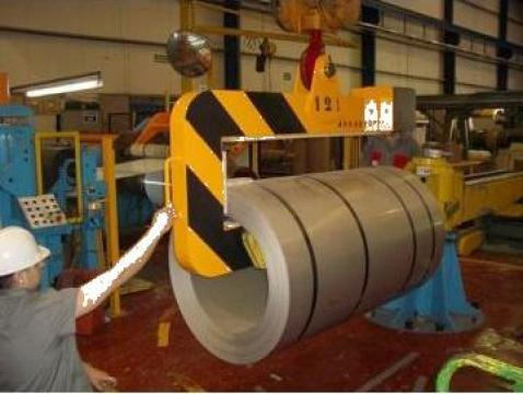 Dispozitiv de ridicat rulouri de tabla de la Kinetech Industry Srl