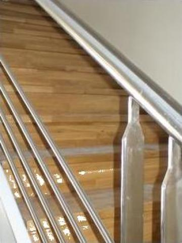 Scara lemn cu balustrada inox de la Prod Com Sighet Srl