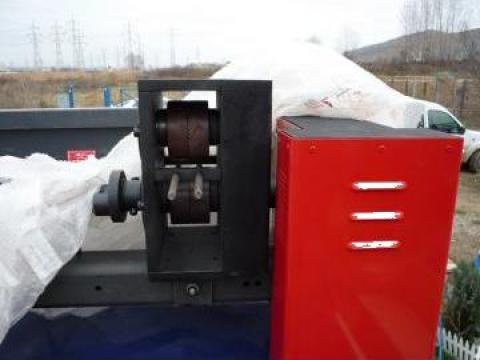 Masini de amprentat virfuri din fier forjat la cald UF 16T de la Infomark Srl.