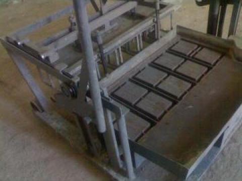 Masina de boltari cu vibratie 5 bucati/extractie de la Satec