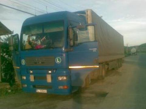 Camion MAN TGA 469/2001 si semiremorca Smith de la Pax Trans