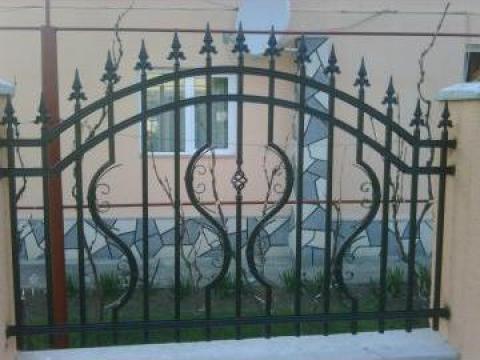 Gard metalic cu elemente forjate