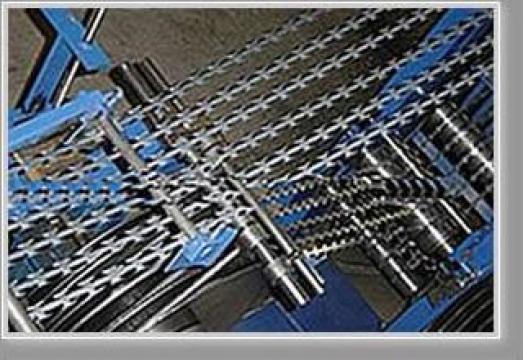 Sarma ghimpata, razor barbed wire de la Dingzhou Xinlong Metal Wire Mesh Co.,ltd