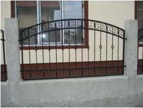 Garduri si porti din fier forjat, cu elemente decorative de la Rollux Construct