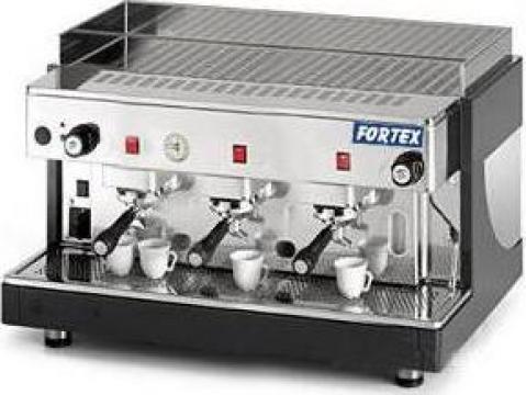 Expresor semiautomat Start cu 3 grupuri 580002 de la Fortex