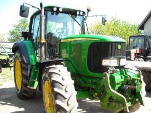 Tractor second hand John Deere 6920S de la St. Andrew Invest Srl