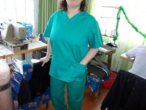 Costum medical asistente si doctori colorate de la Johnny Srl.