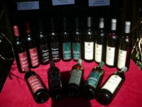 Vin superior rosu, vrac de la Statiunea de Cercetare Dezvoltare pentru Viticultura si Vini