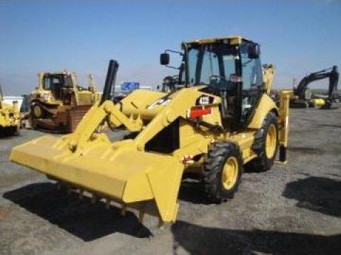 Inchiriere 3 buldoexcavatoare Caterpillar 428 si 422 de la Info Adriano Srl