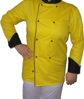 Costum bucatar galben