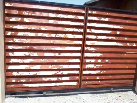 Porti cu lemn de la Pfa Cirstica Florin