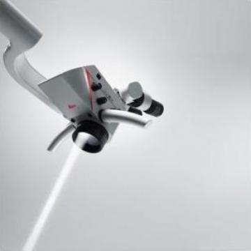 Microscop stomatologic Leica Advanced I de la Medident Exim