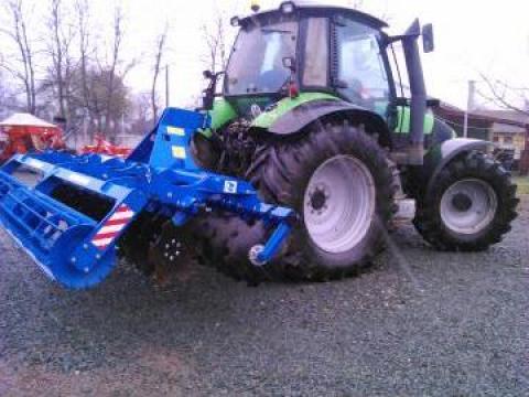 Disc agricol scurt cu talere independente si tavalug 3,5 m de la Agritech Srl