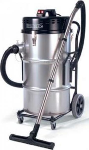 Aspirator industrial 3 motoare Numatic 220V de la Tehnic Clean System