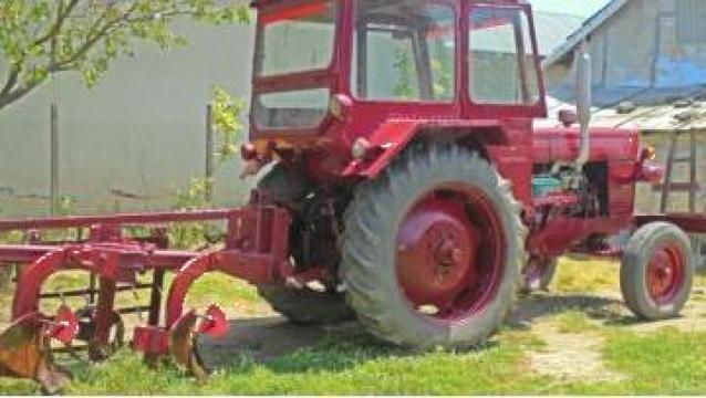 Tractor U650 M de la
