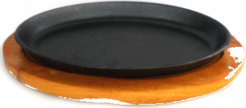 Tava fonta ovala Etno 26,5x17cm, cu suport din lemn de la Basarom Com