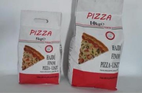 Faina pentru pizza de la