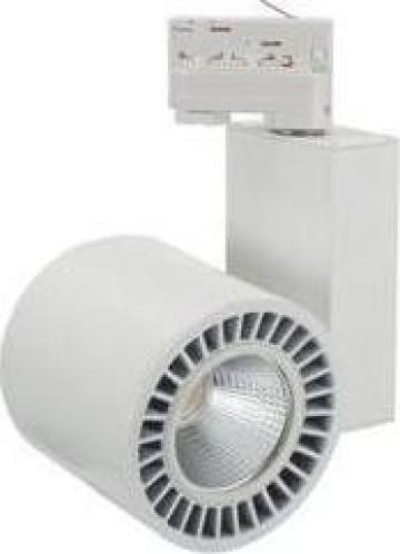 Proiector LED cu montaj pe sina 17W 3000K de la Electrofrane