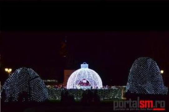 Plase luminoase pentru iluminatul festiv
