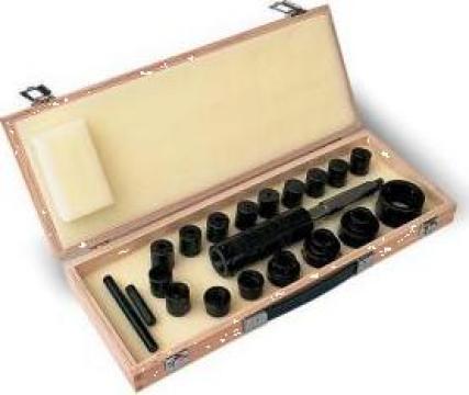 Dispozitive pentru filetat ZSM-20/1 de la Proma Machinery Srl.