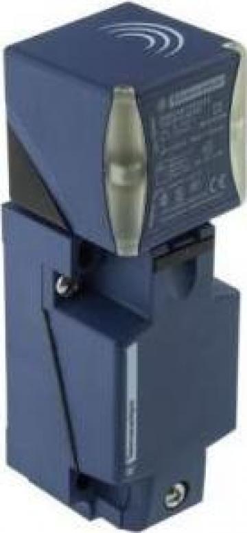 Senzor inductiv, XS8C4A1PCG13 de la Technosam Srl
