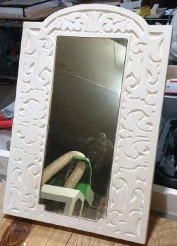 Oglinda plexic cu rama din lemn de tei de la Hexi Center Srl