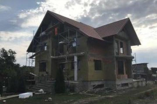 Izolatie minerala spate casa