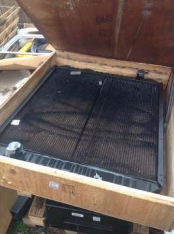 Radiator apa JCB JS330 30/925478 nou de la Terra Parts & Machinery Srl