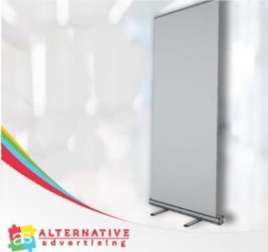 Roll-up de la Alternative Advertising