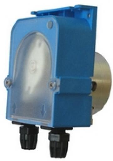 Dozator detergent 1.5l/h, 230VAC, conectare 4x6mm