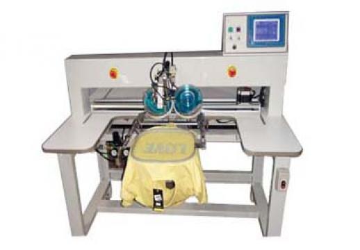 Masina cu ultrasunete pentru aplicat strasuri Japsew X-303 de la Senior Tex